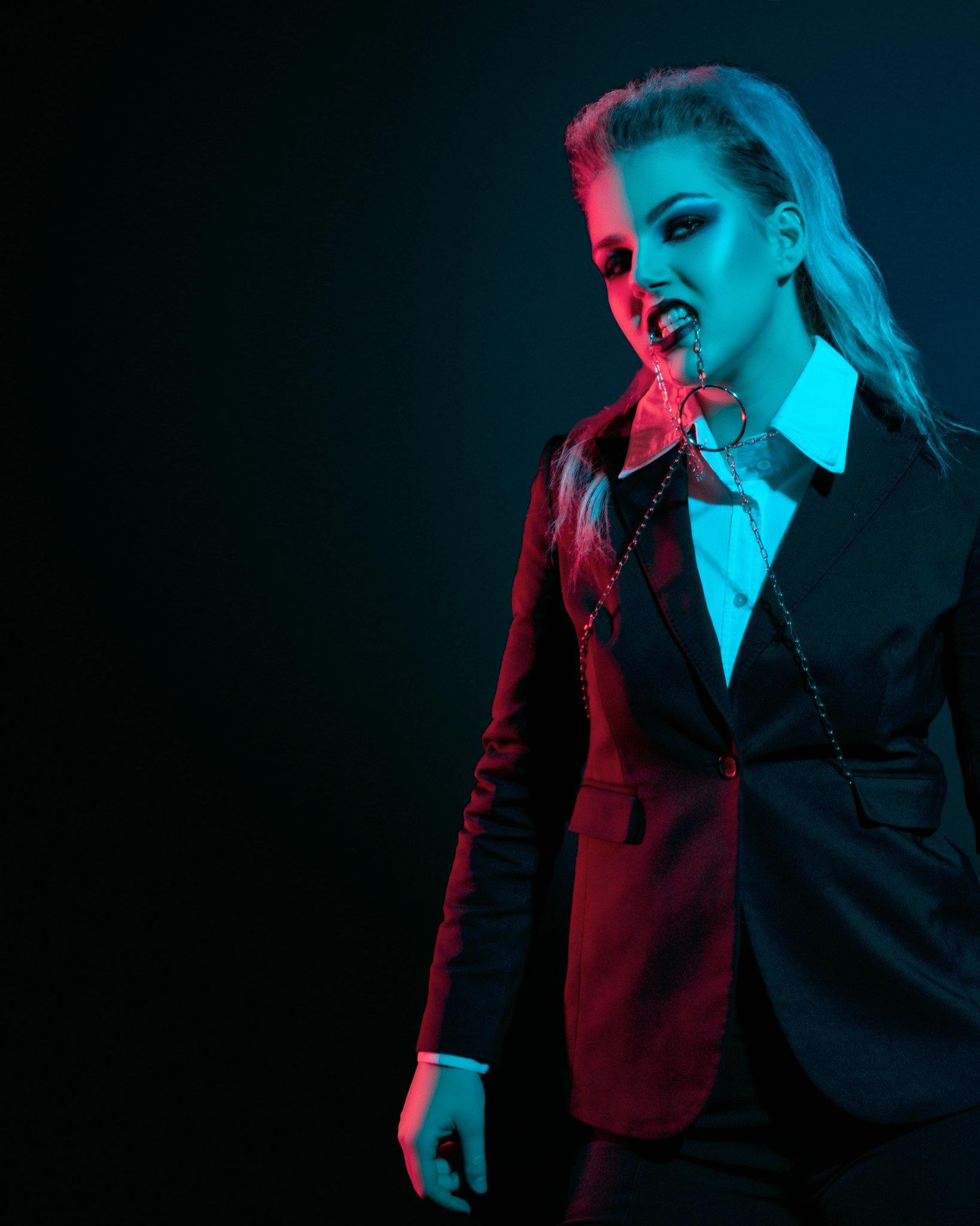 Gothic - Neon- Creatief portret - Zwart Wit